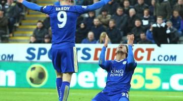 Celebracion de Vardy por la victoria en el juego contra el Liverpool.