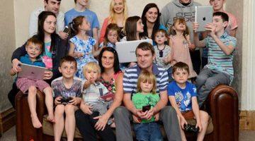 Foto: Facebook - La familia más numerosa del Reino Unido espera a su bebé número 21