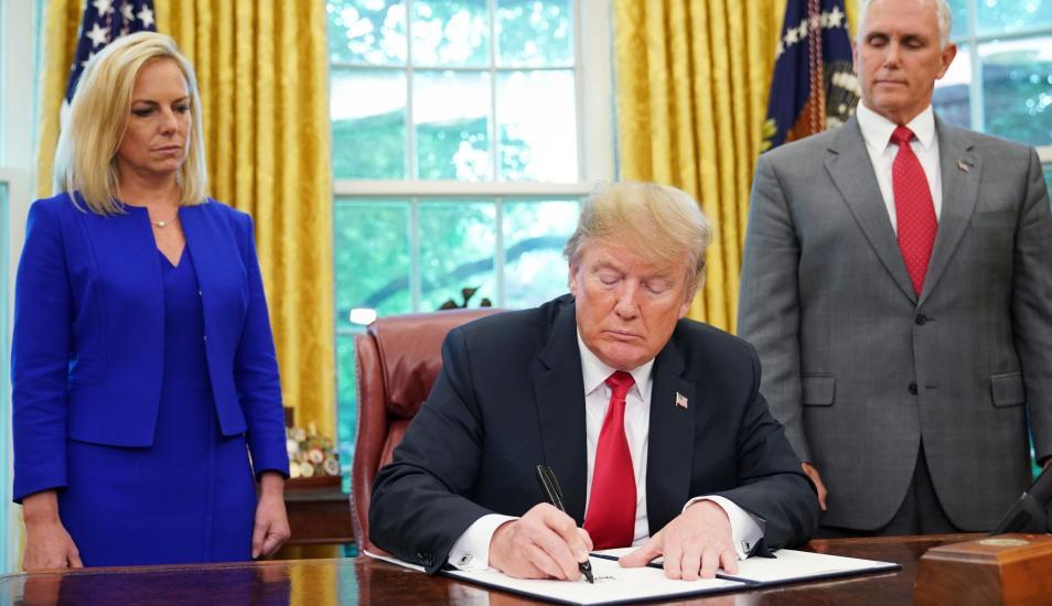 Trump cedió ante la presión sobre separar a familias inmigrantes