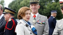 Francia ideó una fuerza militar junto con otros países, incluido Reino Unido, fuera del marco de la Unión Europea, que mantendrá aLondres cerca de la defensa europea tras el Brexit.