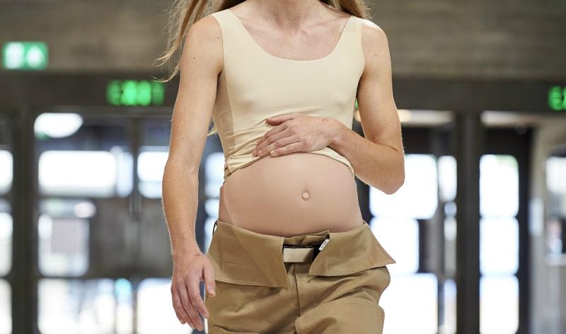 Semana de la Moda en Londres: Hombres embarazados y cuerpos con seis brazos