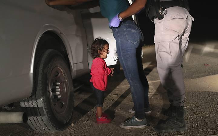 """México condena política """"cruel e inhumana"""" de EEUU con inmigrantes"""