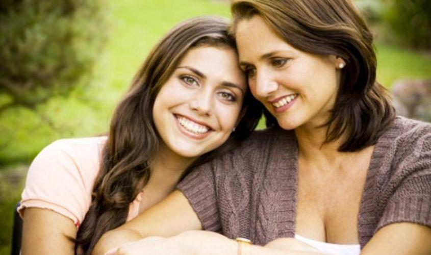 Madres estrictas es igual a hijas exitosas: estudio