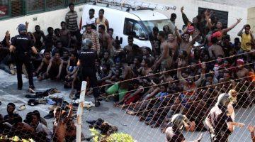 Más de 600 inmigrantes atravesaron valla a España