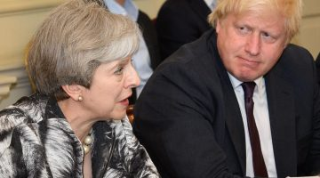 Boris Johnson volvió a arremeter contra el Brexit de Theresa May