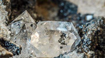 Descubren billones de toneladas de diamantes en el interior de la Tierra