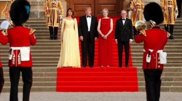 Theresa May le hace un 'guiño' a Donald Trump pese a críticas