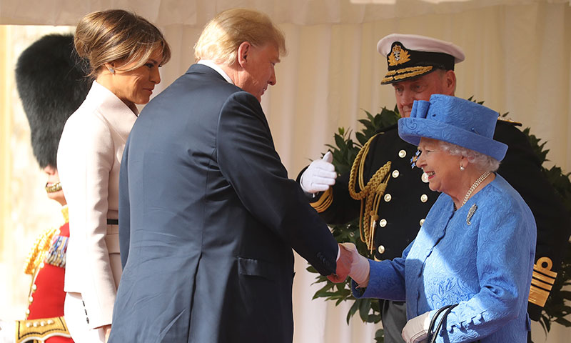 Los errores de Donald Trump al conocer a Isabel II