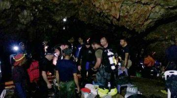 Rescatan con éxito a los 12 niños atrapados en una cueva en Tailandia