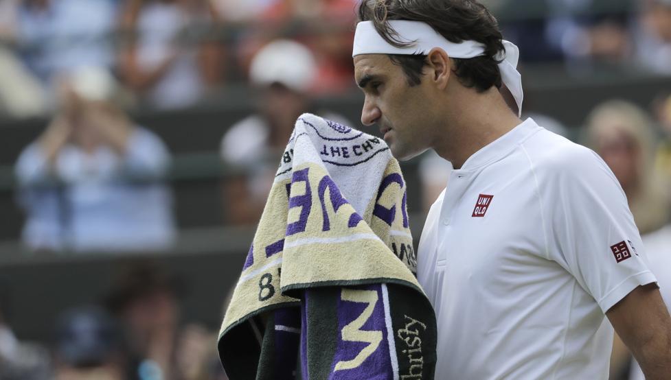 Federer se despide y Djokovic a semifinales en Wimbledon