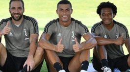 Cristiano Ronaldo entra y Gonzalo Higuaín sale de la Juventus