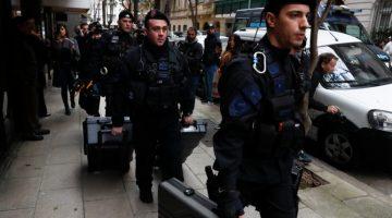 Trece horas duró allanamiento a casa de Cristina Fernández de Kirchner