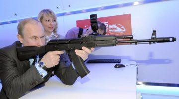 Rusia instalará fábrica de poderoso rifle de asalto AK 47 en Venezuela