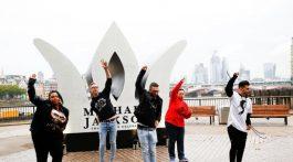 Fanáticos en Londres se rinden a los pies de Michael Jackson