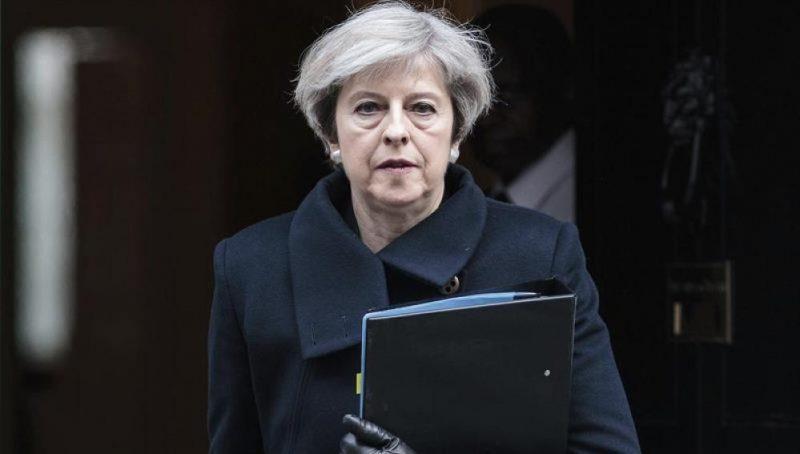 Cae al punto más bajo apoyo a gestión de Theresa May sobre el Brexit