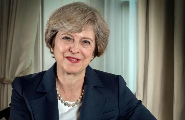 """Para Theresa May un Brexit sin acuerdo """"no es el fin del mundo"""""""