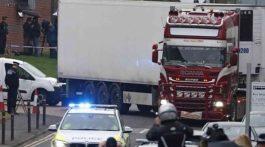 Se espera que las autopsias de los 31 varones y 8 mujeres comiencen a practicarse hoy en el hospital de Broomfield. Foto: AP