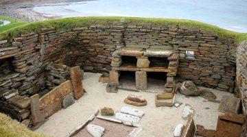 Edificios neolíticos se ven en Skara Brae en las Islas Orcadas, Escocia. (Foto: Agencias)