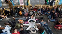 Las protestas en Londres han dejado más de 300 detenidos. (Foto: Agencias)