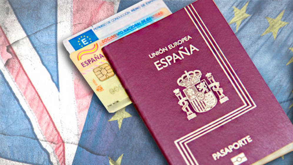 La DGT amplía el plazo para que los ciudadanos británicos puedan homologar su carné de conducir para circular por España. (Foto: Agencias)