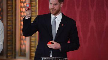 En su primer compromiso desde que la crisis salió a la luz, Enrique será anfitrión del sorteo de la Copa Mundial de Rugby 2021 en el Palacio de Buckingham. (Foto: AFP)