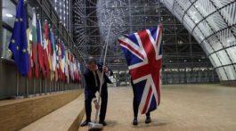 La bandera de Reino Unido fue retirada tanto del Consejo Europeo en Bruselas, como del Parlamento Europeo en Estrasburgo. (Foto: Agencias)